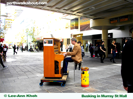 busking-murray-street-mall