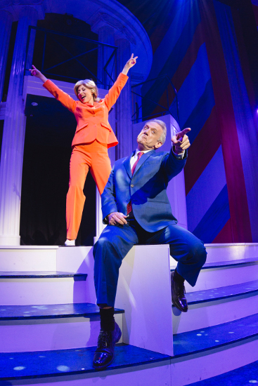 black-swan-clinton-the-musical-367-550