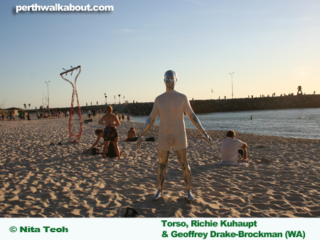 cottesloe-beach-sculpture-by-the-sea-11
