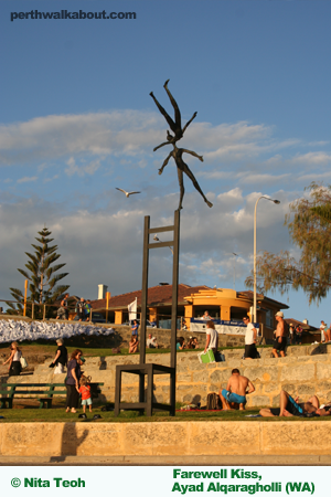 cottesloe-beach-sculpture-by-the-sea-4